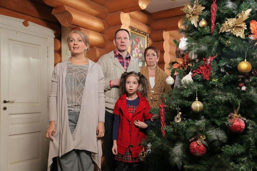 Смотреть бесплатно постеры и кадры к фильму Новогодний переполох онлайн