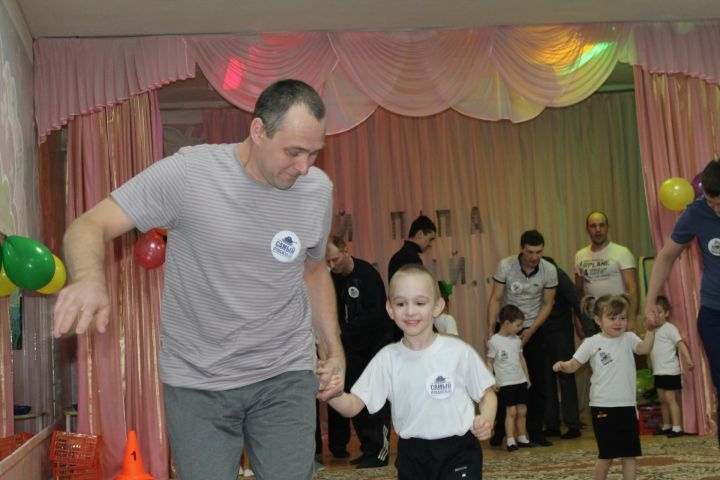 Спортивный праздник к 23 февраля в детском саду
