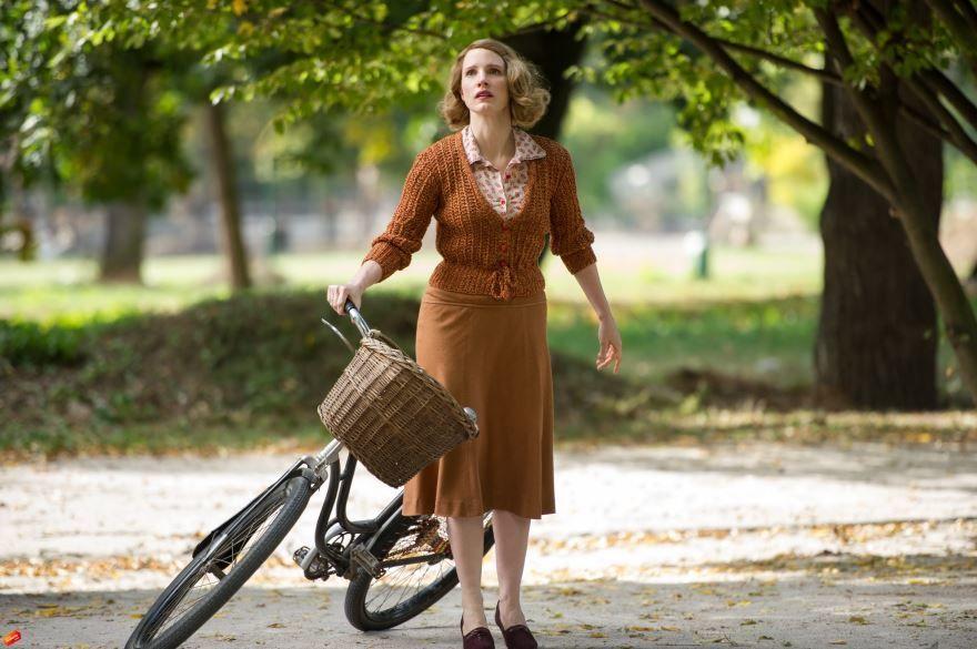 Смотреть бесплатно постеры и кадры к фильму Жена смотрителя зоопарка онлайн