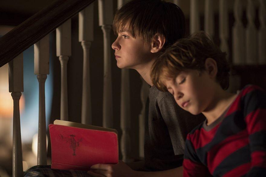 Смотреть бесплатно постеры и кадры к фильму Книга Генри онлайн