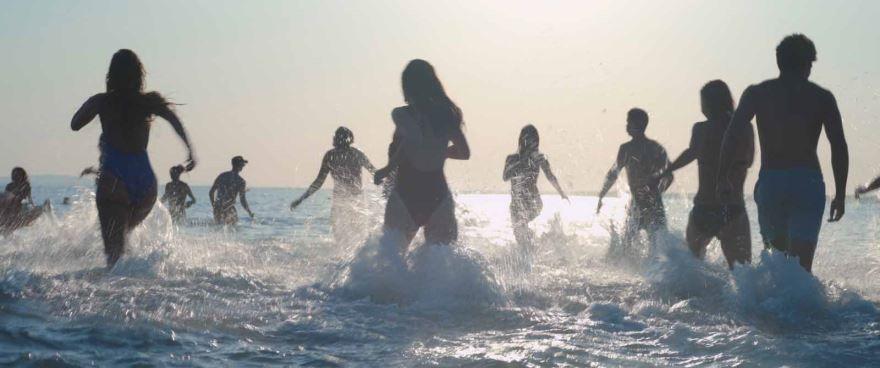 Бесплатные кадры к фильму Мектуб, моя любовь в качестве 1080 hd