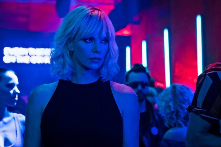 Скачать бесплатно постеры к фильму Взрывная блондинка в качестве 720 и 1080 hd