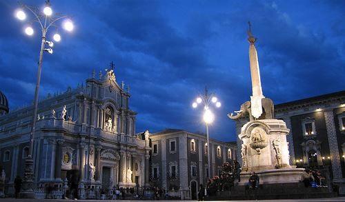 Смотреть красивое фото город Катания Италия