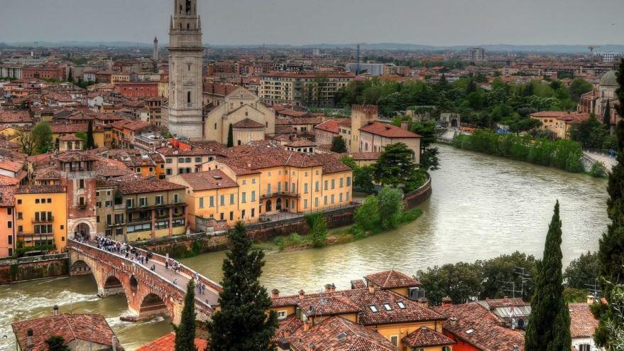 Панорама города Верона Италия