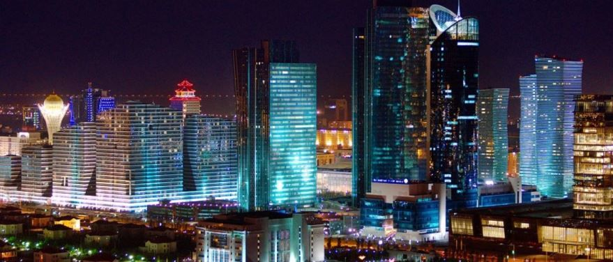 Ночное фото города Астана Казахстан