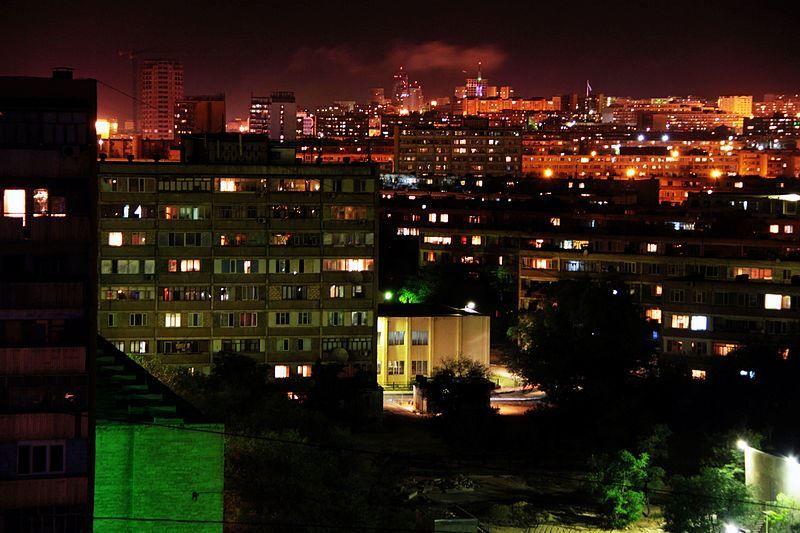 Скачать онлайн бесплатно лучшее ночное фото город Актау в хорошем качестве