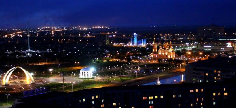 Ночное фото города Актобе Казахстан