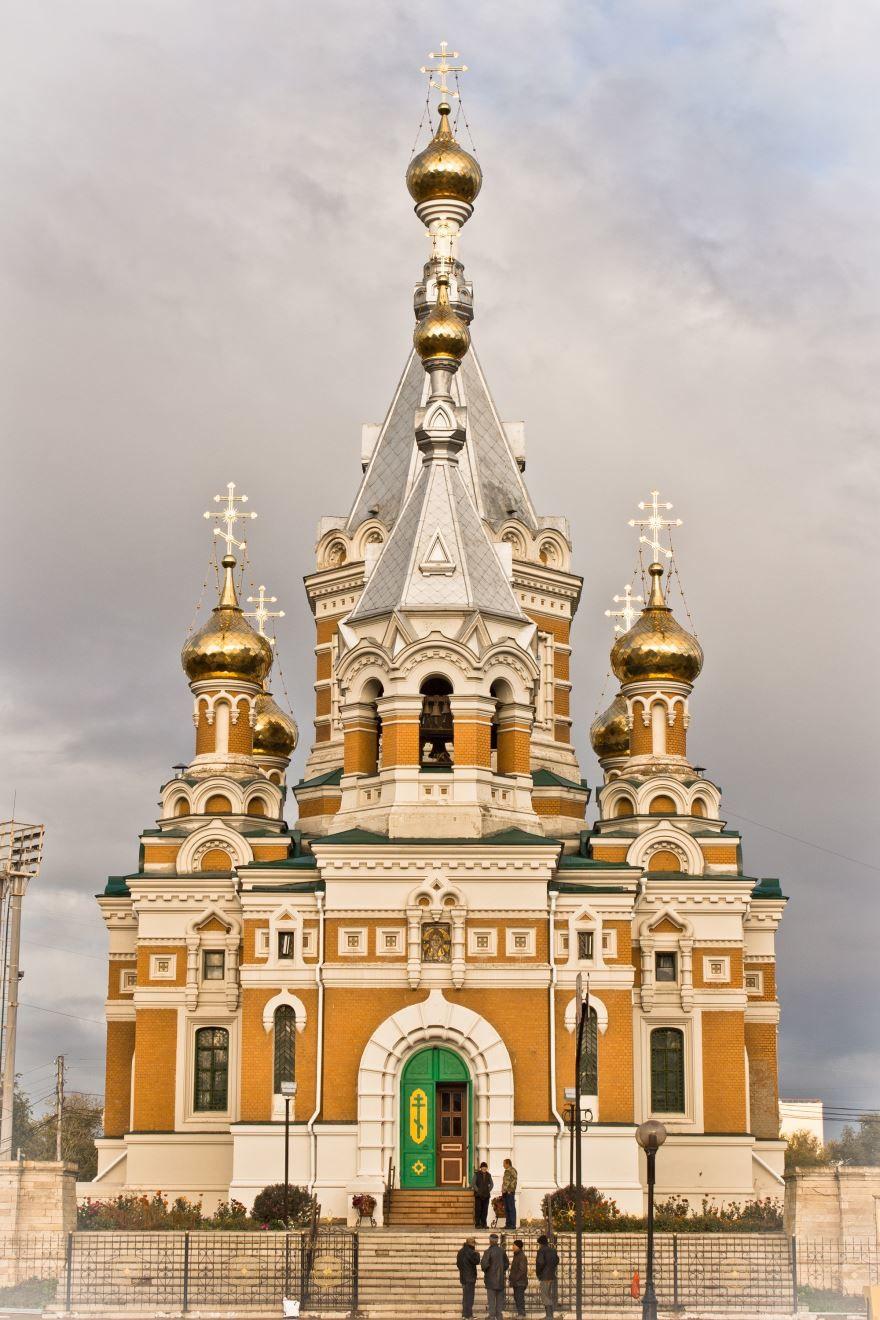 Золотая церковь город Уральск Казахстан