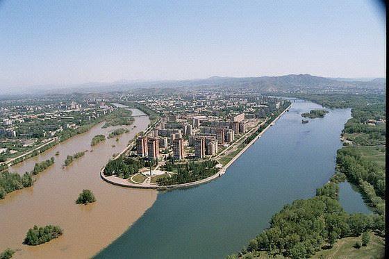 Смотреть красивое фото вид на город Усть-Каменогорск