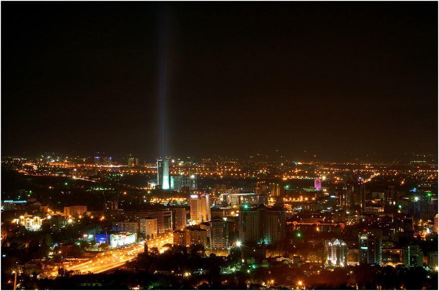 Смотреть лучшее ночное фото города Алма-Ата