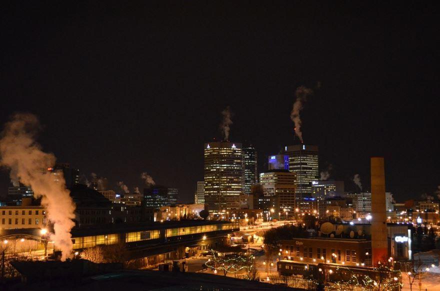 Ночное фото города Виннипег Канада