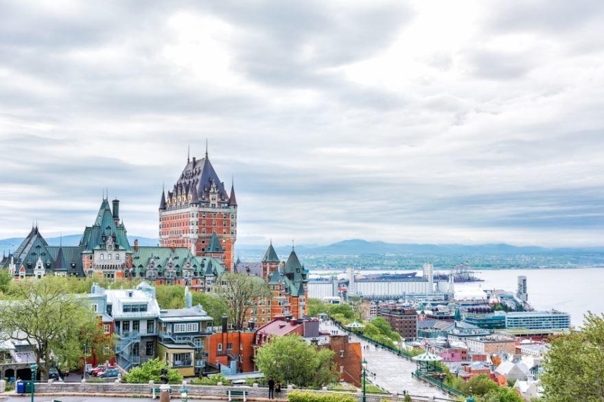 Смотреть красивое фото город Квебек