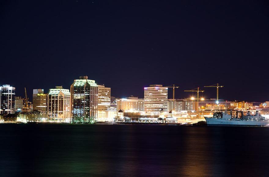 Лучшее ночное фото города Галифакс