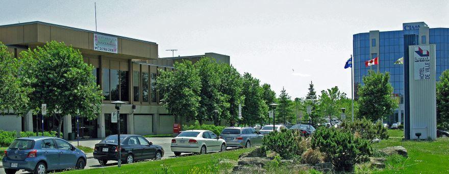 Улица город Лаваль