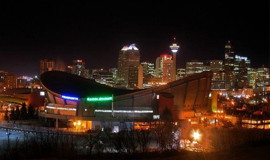 Ночное фото город Калгари