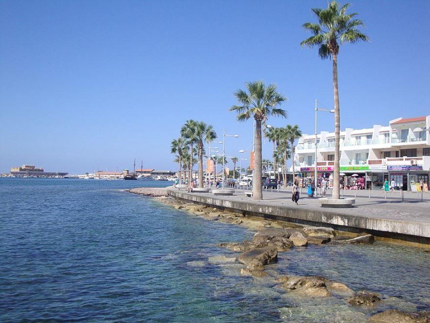 Набережная город Пафос