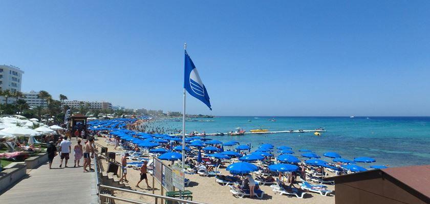Пляж города Ларнака Кипр