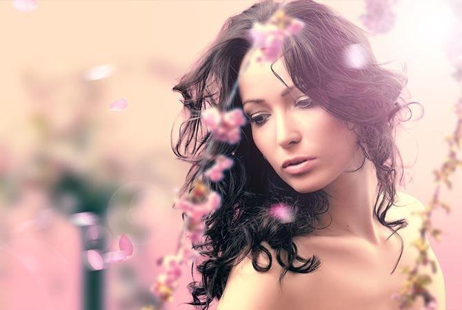Красивое фото девушки на 8 Марта