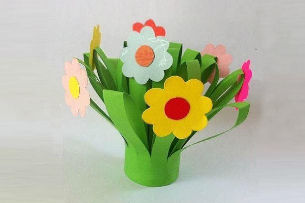 Цветы на 8 Марта дети