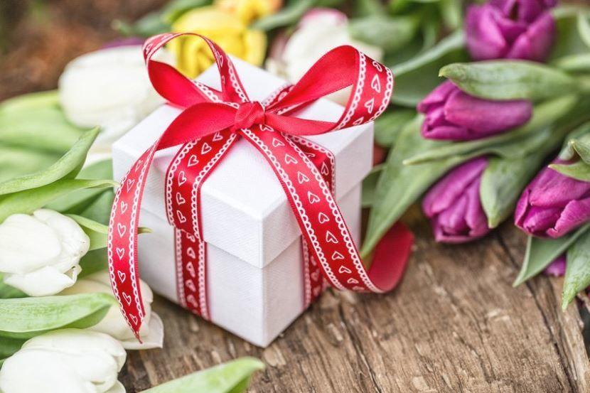 Подарки к 8 Марту для женщин