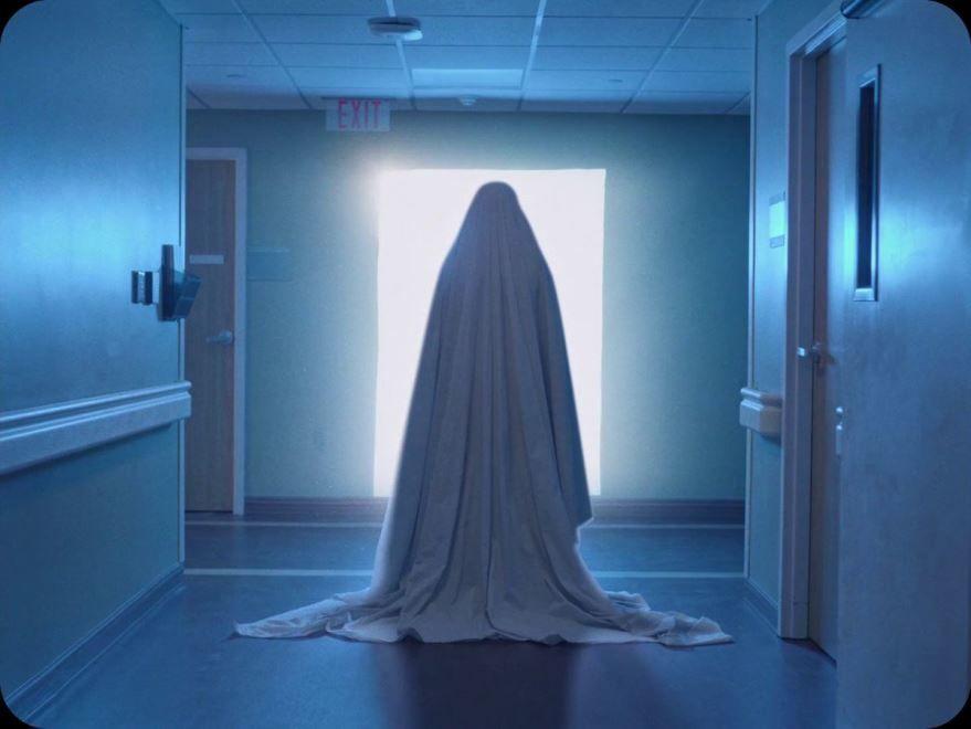 Смотреть бесплатно постеры и кадры к фильму История призрака онлайн