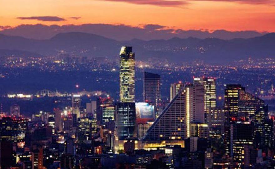 Ночное фото город Мехико