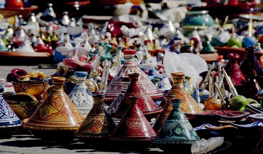 Красочная керамика города Мекнес Марокко