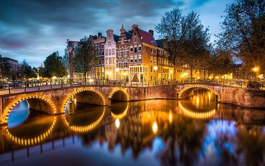 Скачать онлайн бесплатно лучшее фото город Амстердам в хорошем качестве