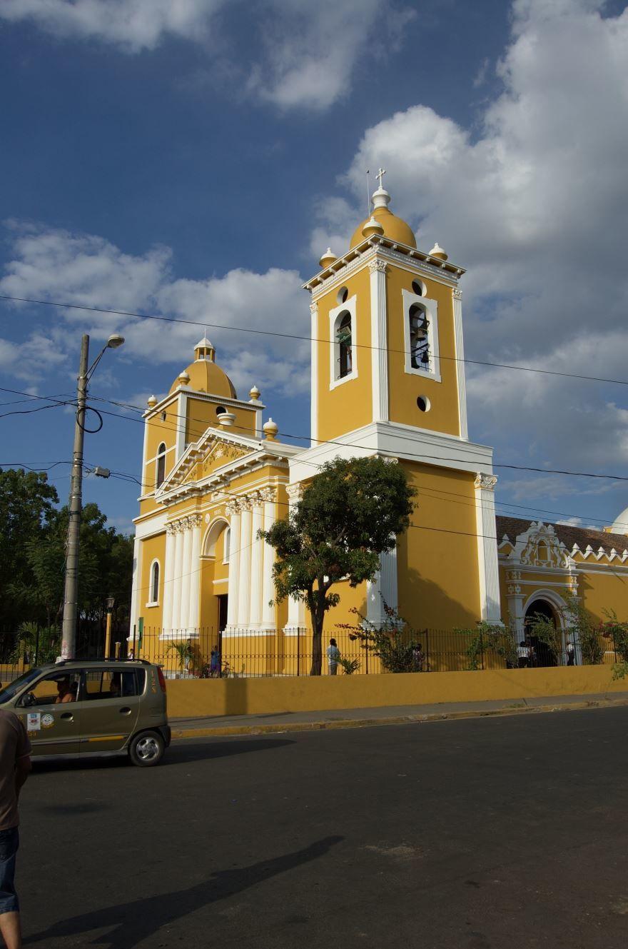 Собор города Чинандера Никарагуа