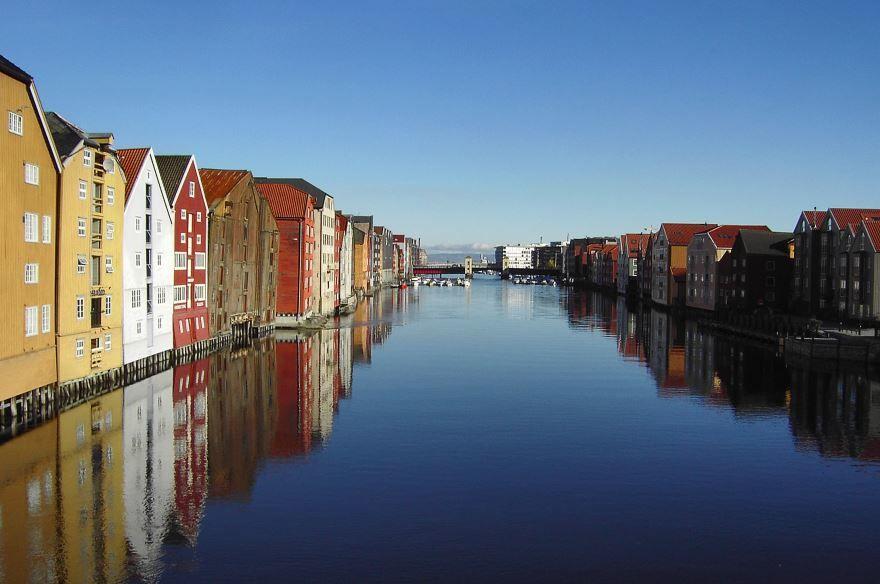 Смотреть красивое фото города Тронхейм Норвегия