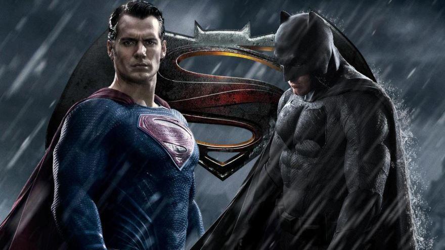 Смотреть бесплатно постеры и кадры к фильму Бэтмен против супермена онлайн