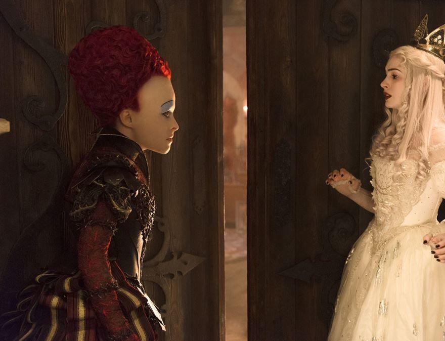 Смотреть бесплатно постеры и кадры к фильму Алиса в зазеркалье онлайн
