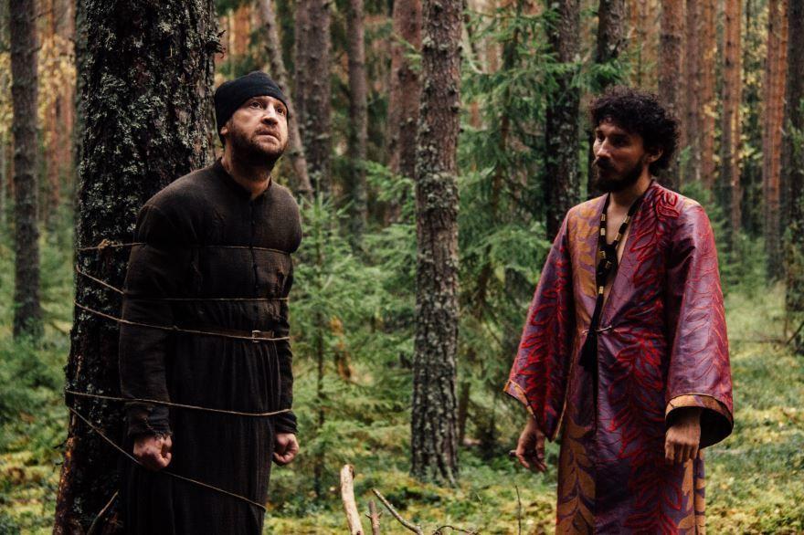 Бесплатные кадры к фильму Монах и бес в качестве 1080 hd