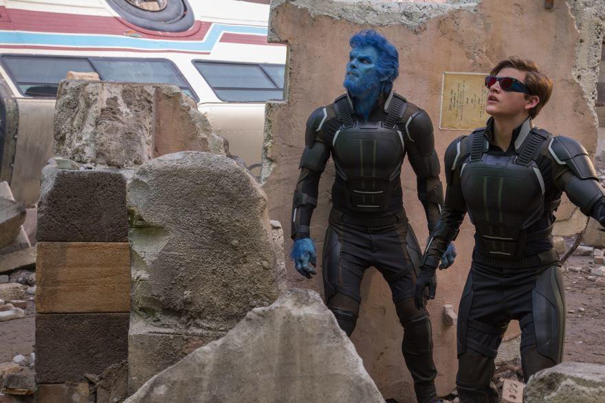 Смотреть бесплатно постеры и кадры к фильму Люди Икс: апокалипсис онлайн