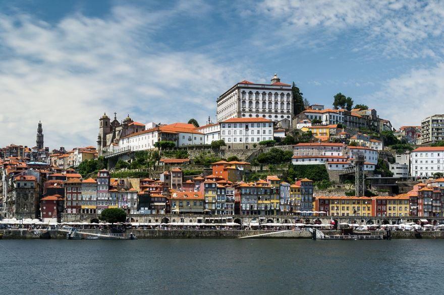 Скачать онлайн бесплатно лучшее фото город Порту в хорошем качестве