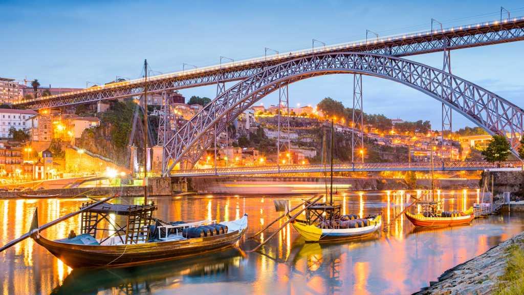 Фото города Порту Португалия