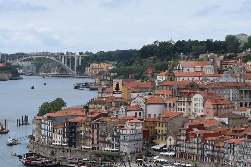 Вид на город Порту