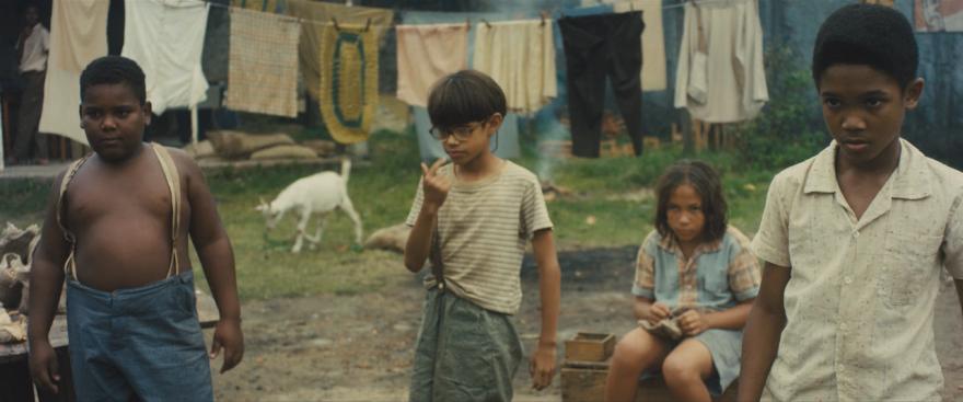 Смотреть бесплатно постеры и кадры к фильму Пеле: рождение легенды онлайн