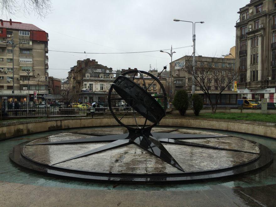 Монумент Нулевой километр город Бухарест