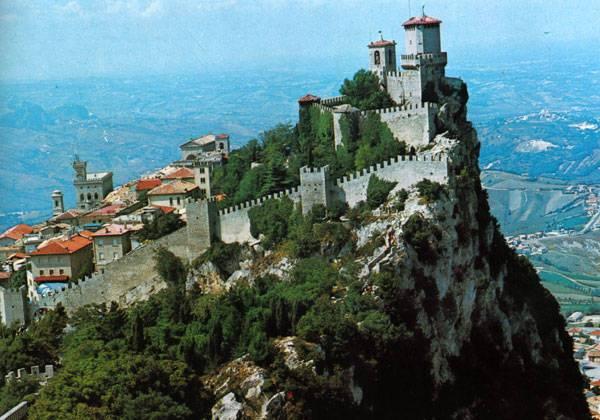 Вид на город Сан-Марино в хорошем качестве