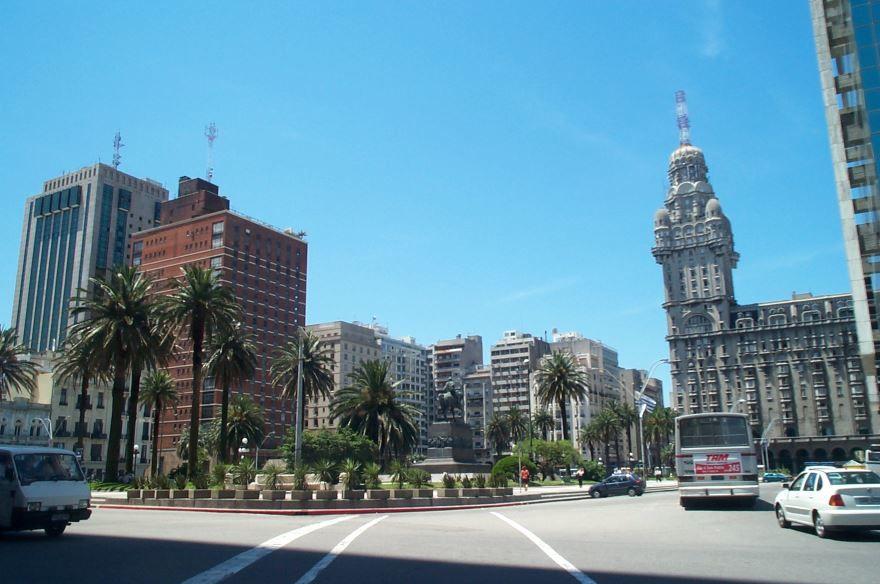 Скачать онлайн бесплатно лучшее фото город Монтевидео в хорошем качестве