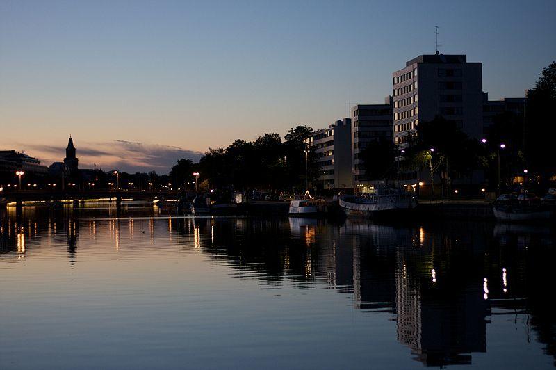 Ночное фото город Турку
