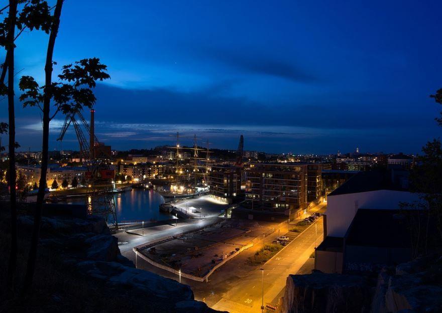 Смотреть красивое ночное фото город Турку