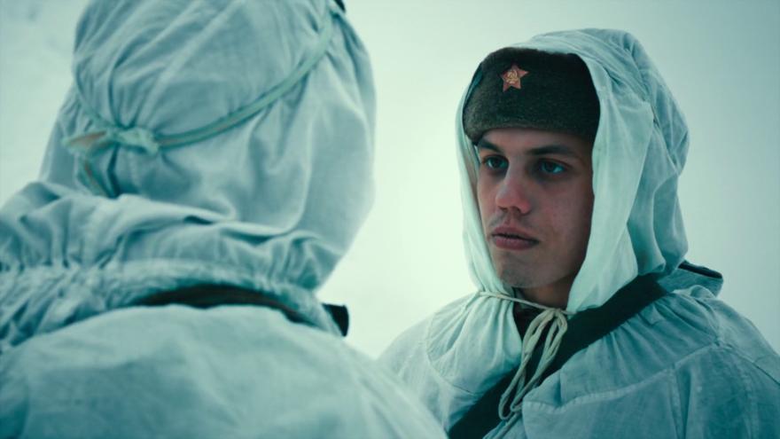 Смотреть бесплатно постеры и кадры к фильму Лейтенант онлайн