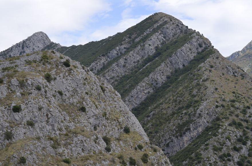 Горы города Бар Черногория