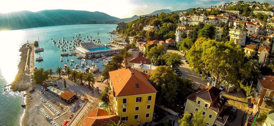 Фото города Херцег-Нови Черногория