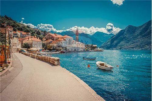 Фото города Тиват Черногория