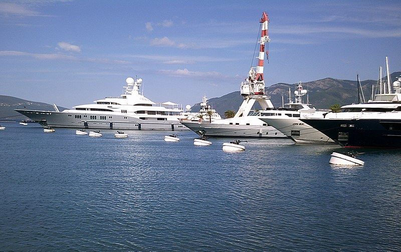 Порт города Тиват Черногория