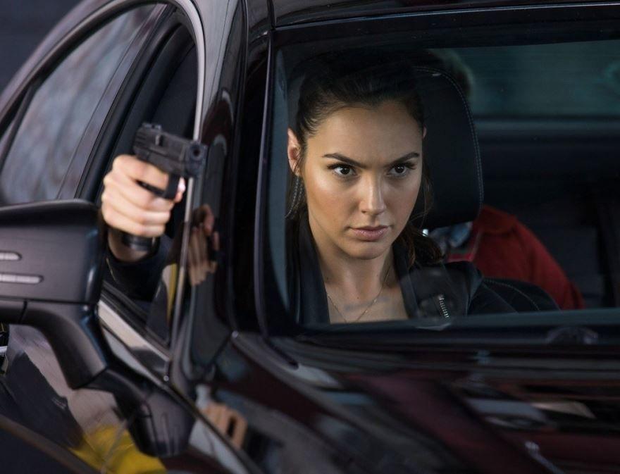 Смотреть бесплатно постеры и кадры к фильму Шпионы по соседству онлайн