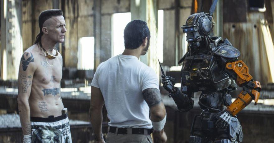 Бесплатные кадры к фильму Робот по имени Чаппи в качестве 1080 hd